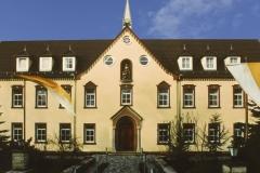 """""""Fassade Elisabethhaus - Geisa-Fulda, Deutschland"""""""
