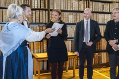 """Übergabe des IACC-Zertifikates an Anna Lena Hemgard"""