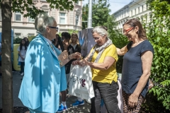 """""""Schlußfeier - Edda Mally dankt Fr. Dir. Anneliese Weiss"""""""