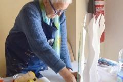 Edda Mally,A, bei der Arbeit